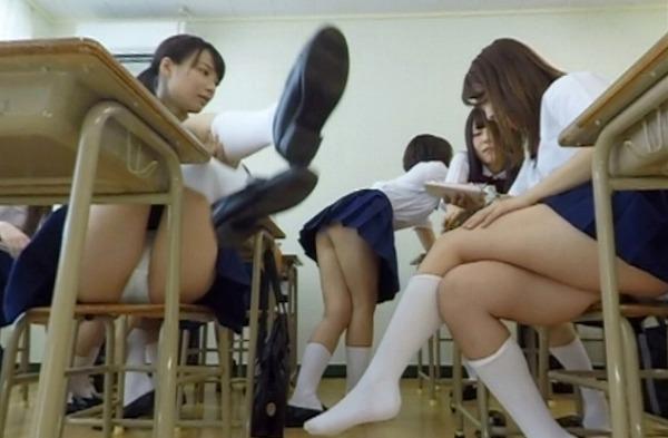 女子高校のぞき